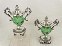 2 mosterdpotje met groen glazen binnenpot, Belgie, ca 1850 Gereserveerd